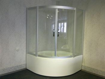 Душевое ограждение и акриловая ванна Акватек Борей 3